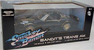 ERTL-1-18-1977-Pontiac-Firebird-Trans-Am-SMOKEY-amp-the-BANDIT-American-Muscle-Car