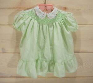 Vtg-Polly-Flinders-Baby-Girl-Sz-12-mo-Dress-Smocked-Embroidered-Pastel-Green