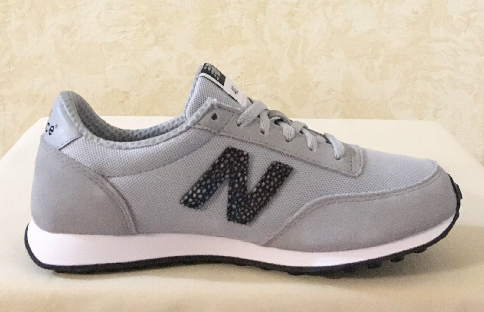 Women New Balance WL410BU Classics Traditionnels Lace Up Sneakers Gray/Black