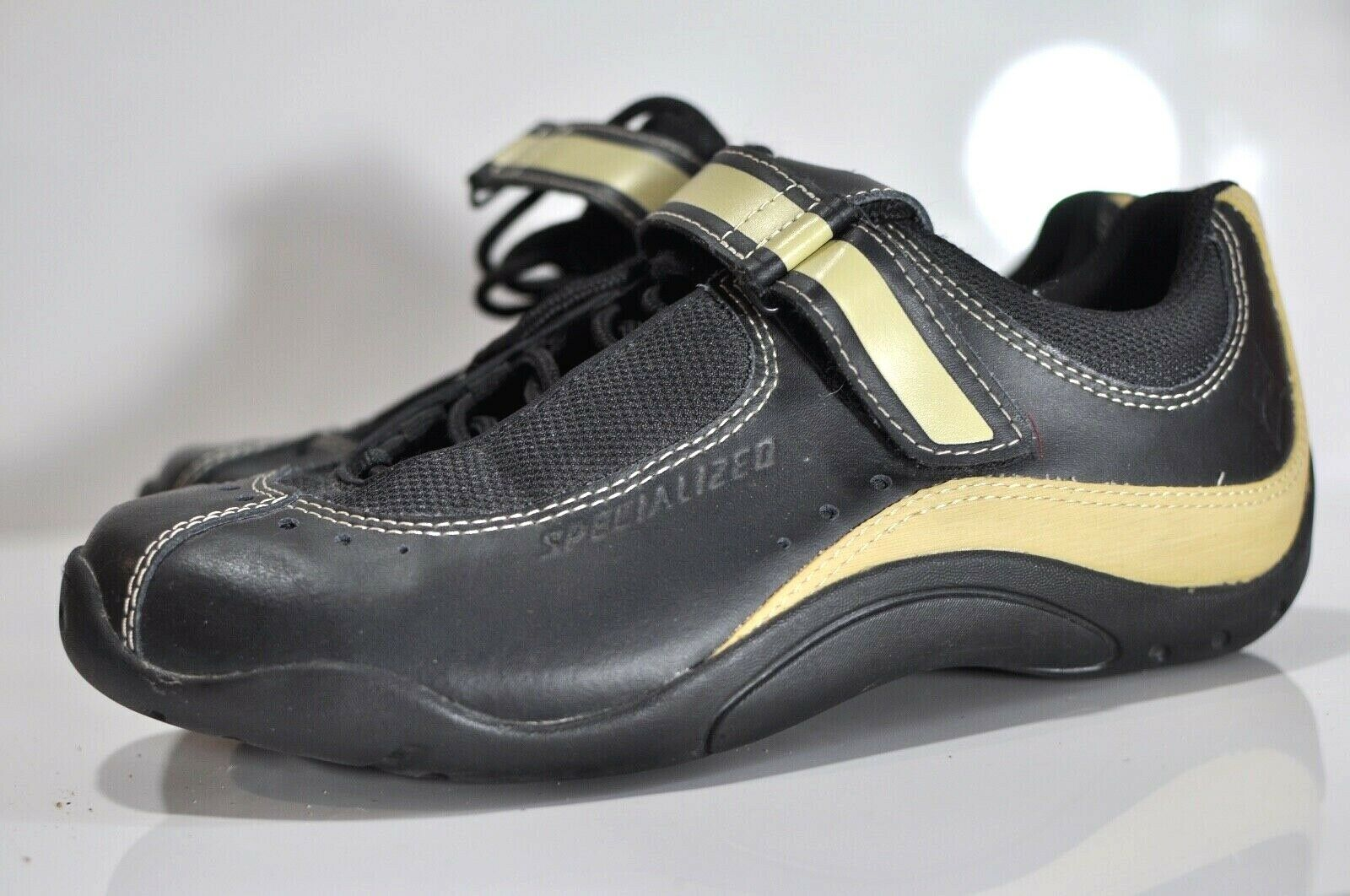 Specialized Sonoma Womens bike shoes size  8.5  fast shipping and best service