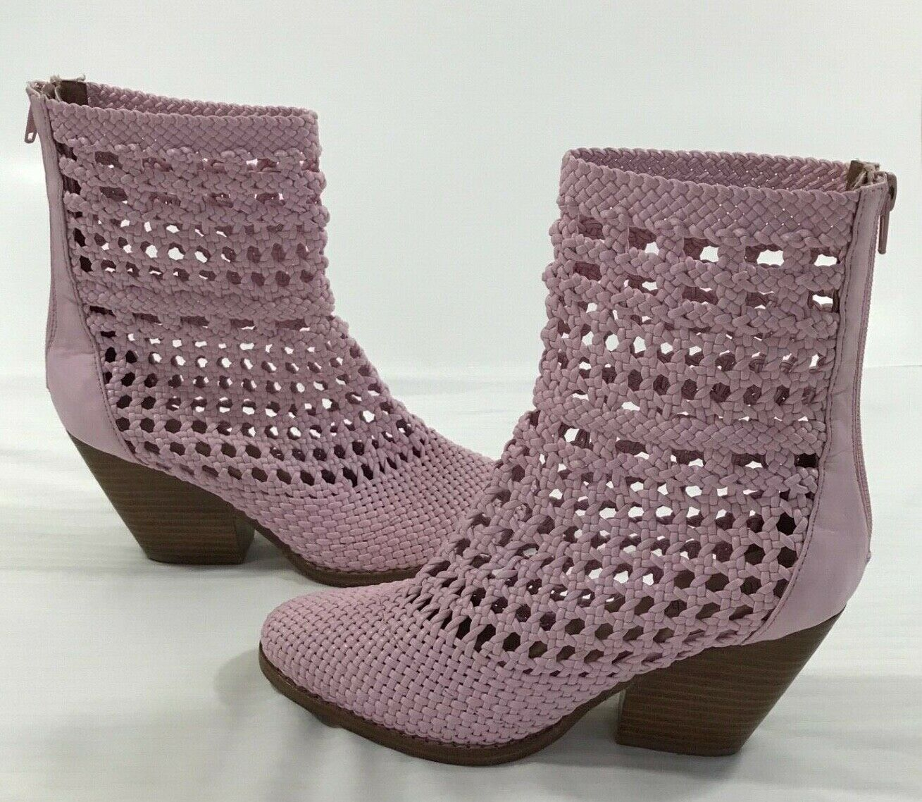 Jeffrey Campbell Ankle Boots Booties Size 8.5 Pink Perforated Lattice Weaved