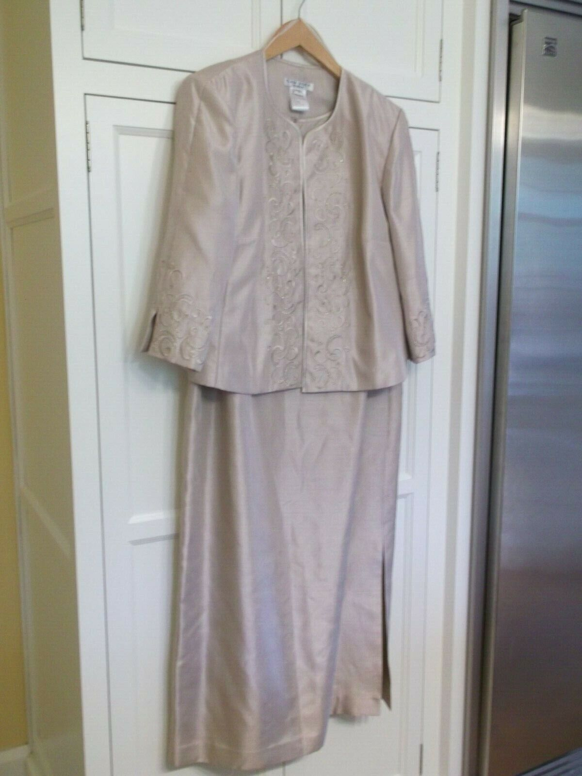 Plaza South Woman Beige Mother Of The Bride Dress 14W EUC