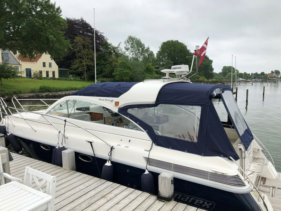 Marex 350 Cabriolet Cruiser, Motorbåd