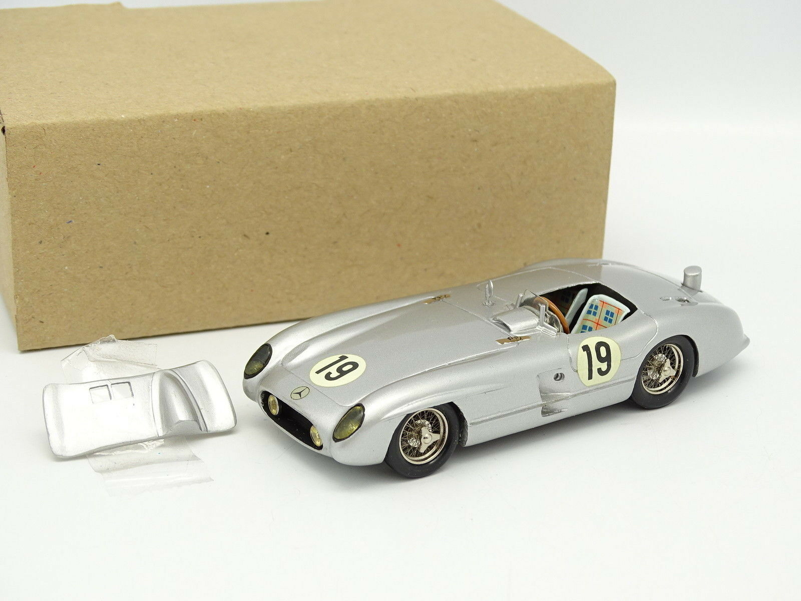 MRF Kit Montato Resina 1 43 - Mercedes 300 SLR Le Mans 1955 N.19