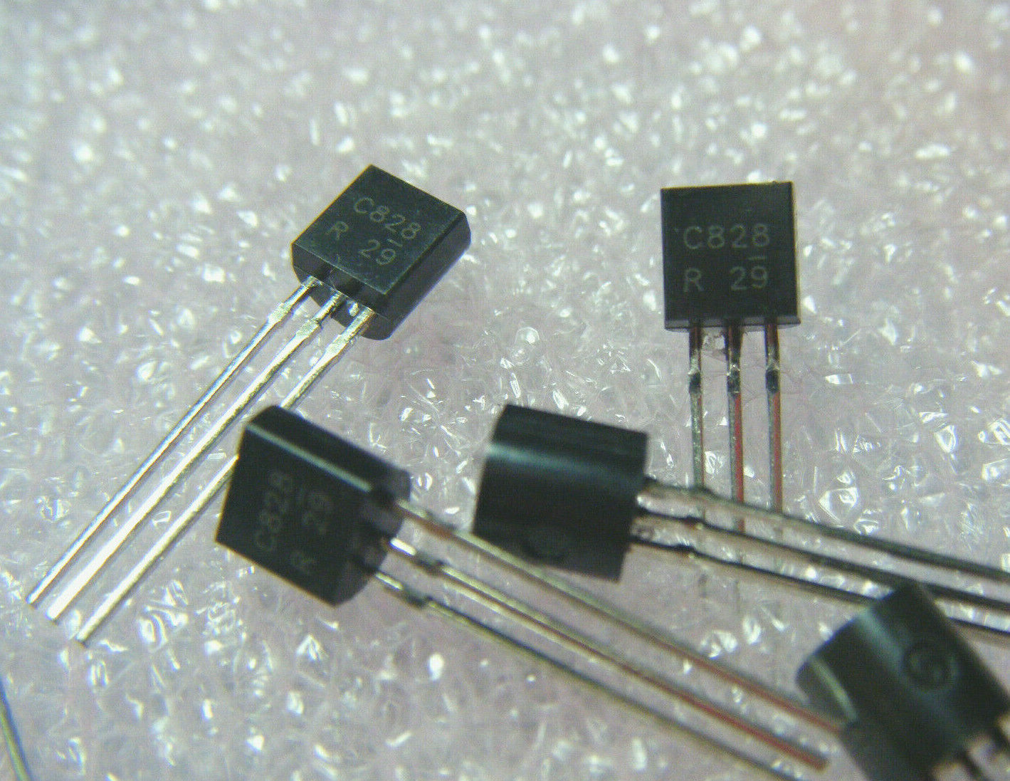 10 PCS 2SC1685 HFE 150 .25 W .1 A TO-92B 50 V NPN TRANSISTOR FT 75