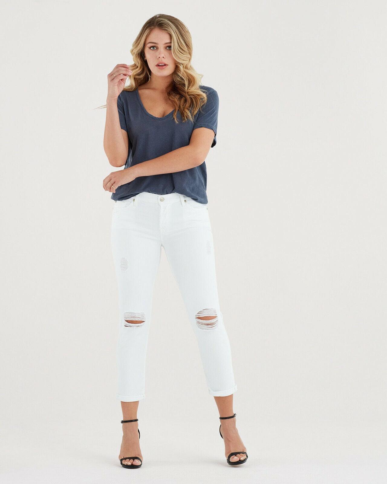 7 for All Mankind Josefina feminine boyfriend jeans distressed destroy white 30