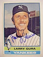 LARRY GURA signed YANKEES 1976 Topps baseball card AUTO Autographed CUBS ROYALS
