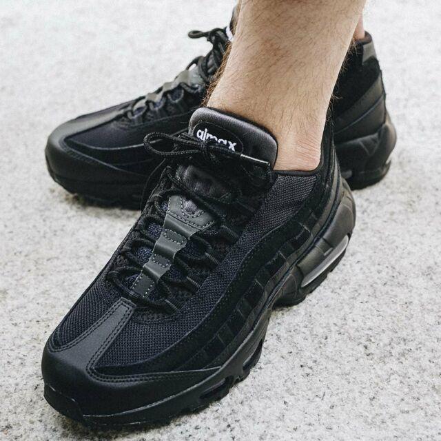 Size UK 9 - Nike Air Max 95 Essential Triple Black | Acquisti ...