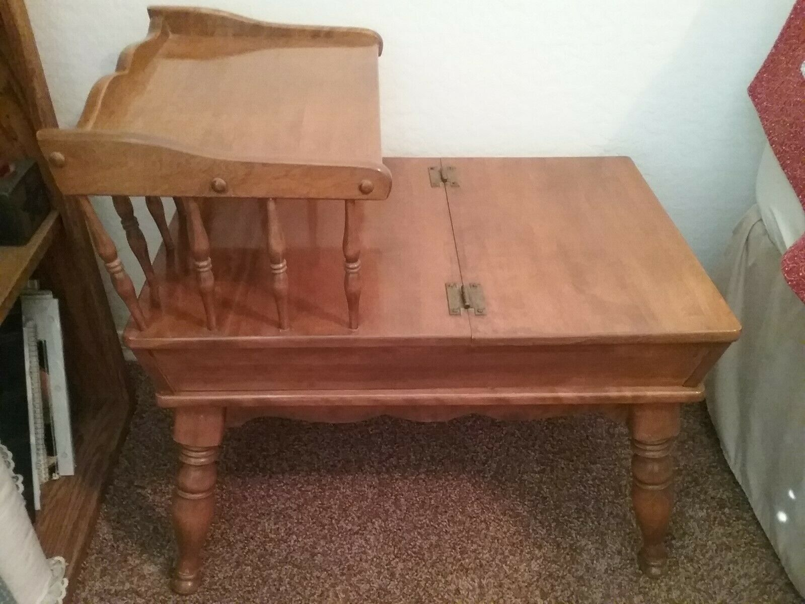 Ethan Allen Nutmeg Maple Colonial Style End Table With Flip Top Side