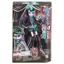 MONSTER HIGH FREAK DU CHIC TWYLA FASHION CIRCUS DOLL TOY