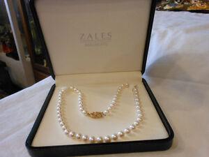 Mikimoto Signature Pearls With Gold Diamond Clasp Standard