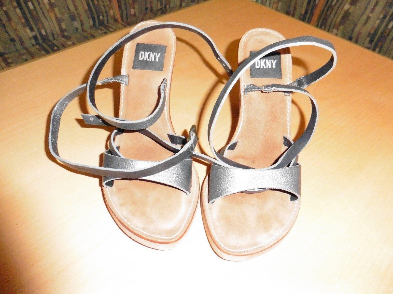 Biete Sandale bzw. High-Heels von DKNY in der Größe 38 an