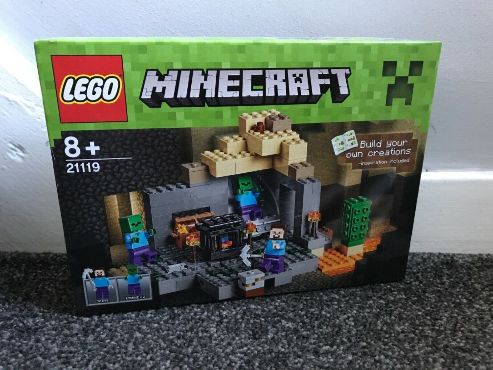 BNIB LEGO Minecraft  The Dungeon 21119 retired playset last one