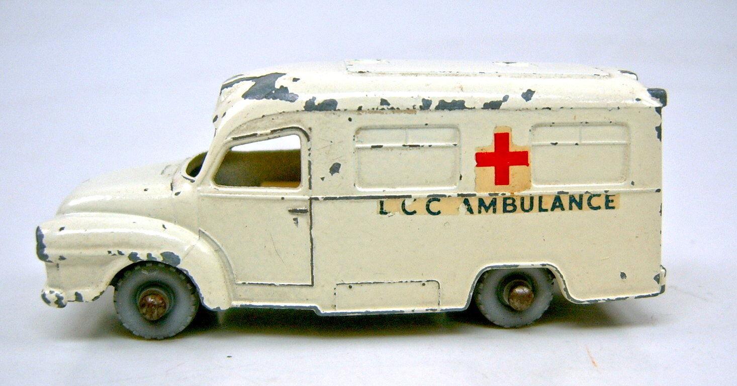 Matchbox RW 14 C Lomas Ambulance Crème RARE grisE ROUES