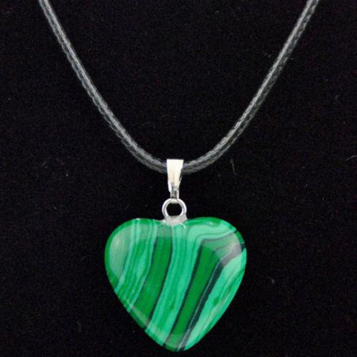 Wholesale 12 Pcs en forme de cœur pierre naturelle Cristal Gemme Collier Pendentif