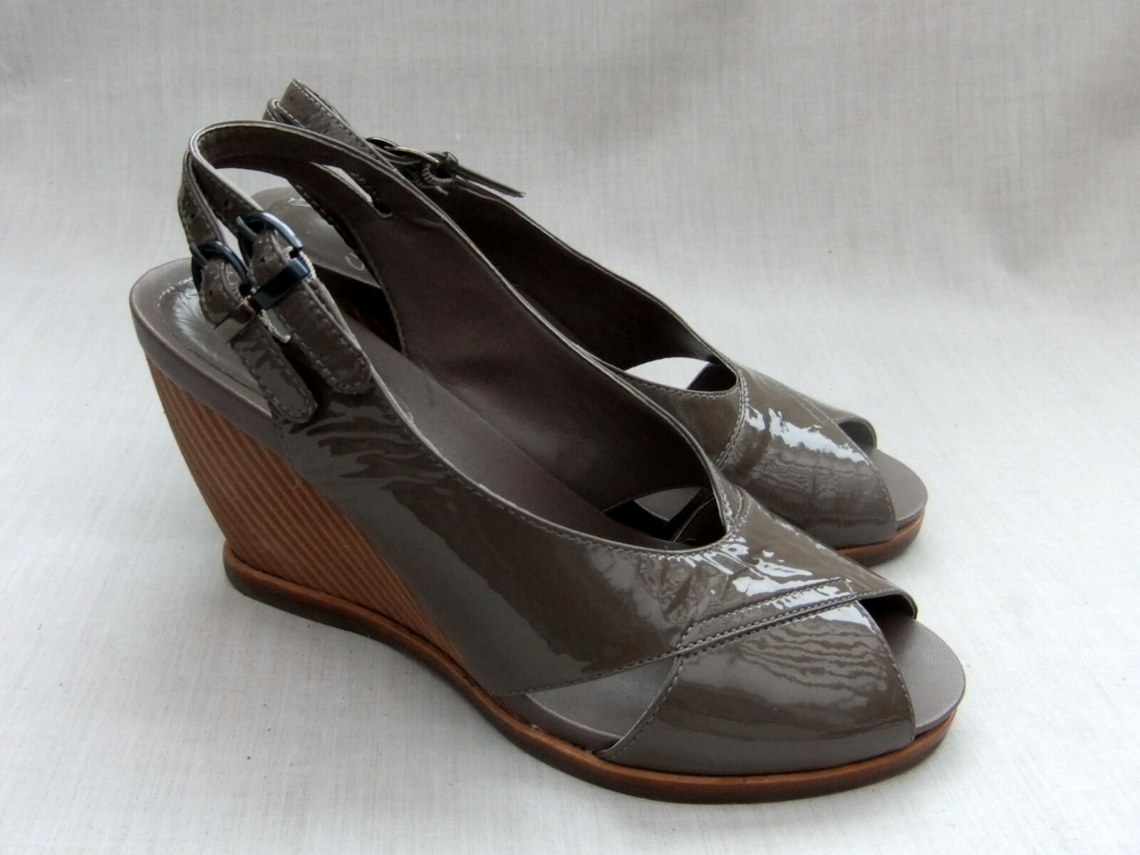NEW CLARKS BALLOT BOX WOMENS BROWN PATENT LEATHER WEDGE SANDALS
