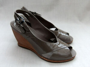 Details about NEW CLARKS BALLOT BOX WOMENS BROWN PATENT LEATHER WEDGE SANDALS