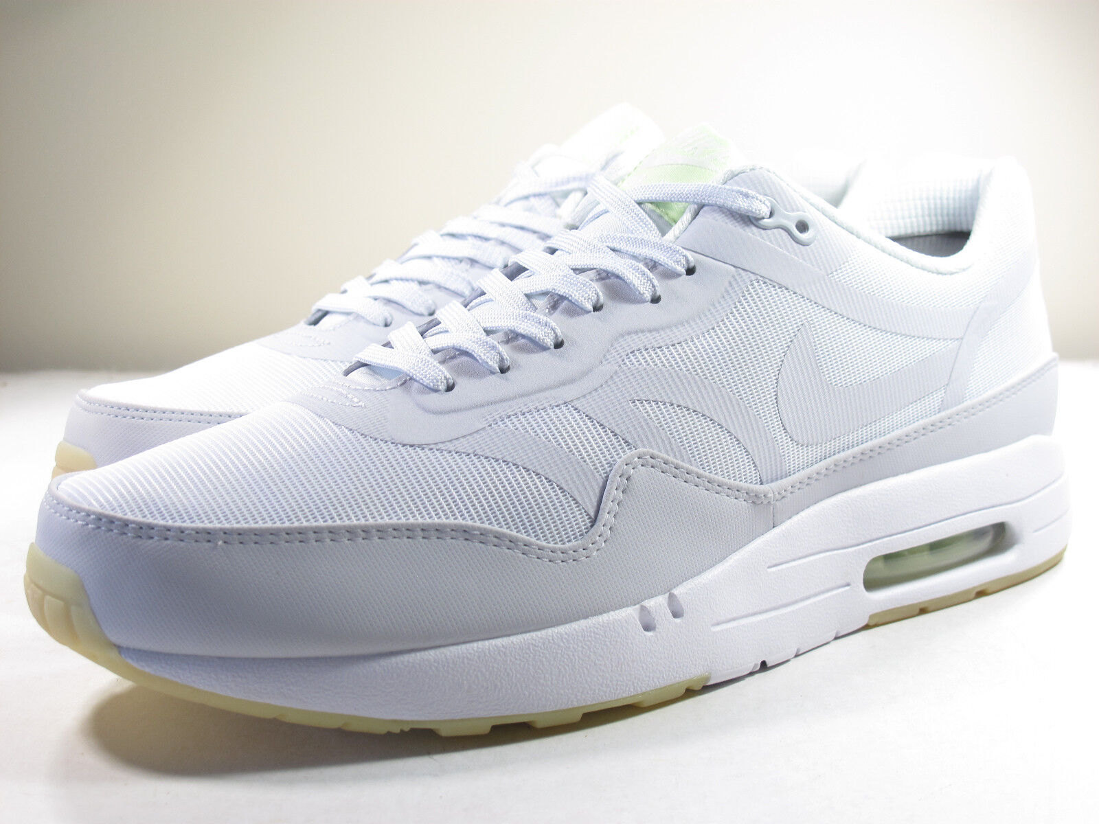 DS 2018 NIKE AIR MAX 1 GLOW IN THE DARK 8.5, 12, 13 SUPREME ATMOS 90 Comfortable and good-looking
