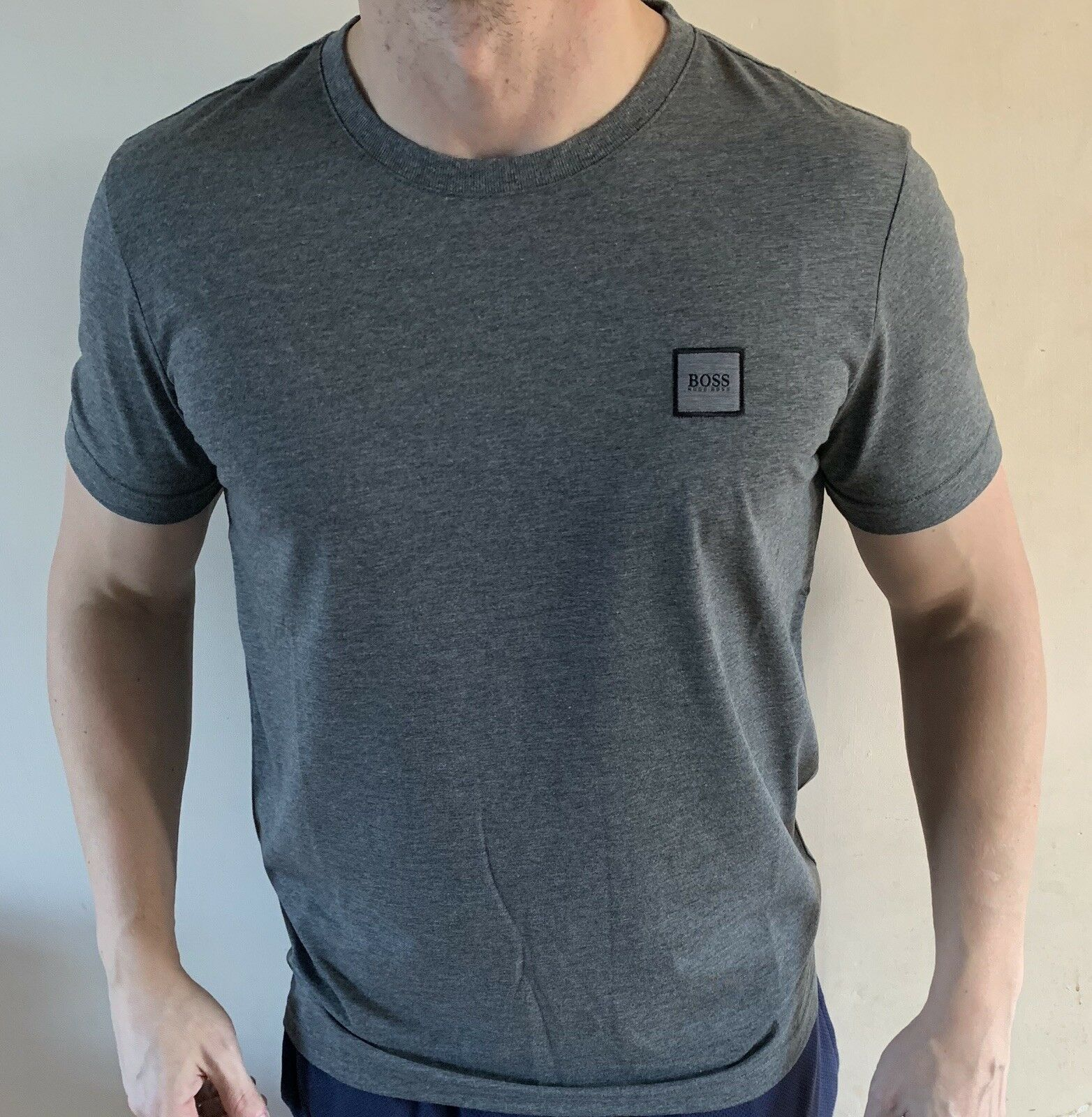 Hugo Boss BOSS T-shirt Top size Large BNWT Dark Grey NEW