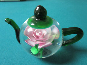 DYNASTY-HEIRLOOM-COLLECTION-TEAPOT-CRYSTAL-ROSE-PAPERWEIGHT-4-X-5-034