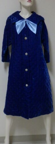 Vintage 1960s Robe Housecoat Quilted Rayon Velvet/