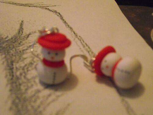 Boucle d oreille bonhomme de neige-bonnet-écharpe-rouge