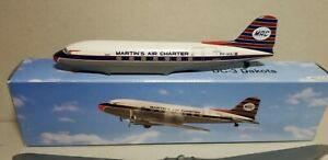 FLIGHT-MINATURE-MARTIN-039-S-AIR-CHARTER-DC-3-1-130-SCALE-PLASTIC-SNAPFIT-MODEL