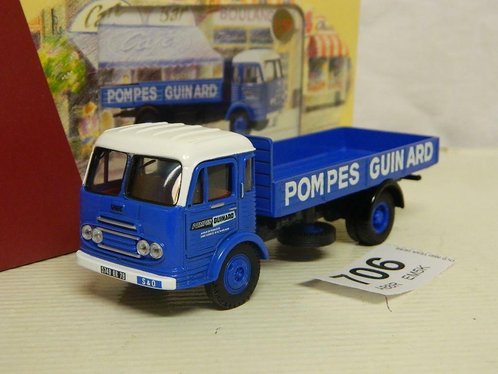 Corgi 1 50 Unic Saverne Vehicule De Service Pompes Guinard Box EX72916 (A)