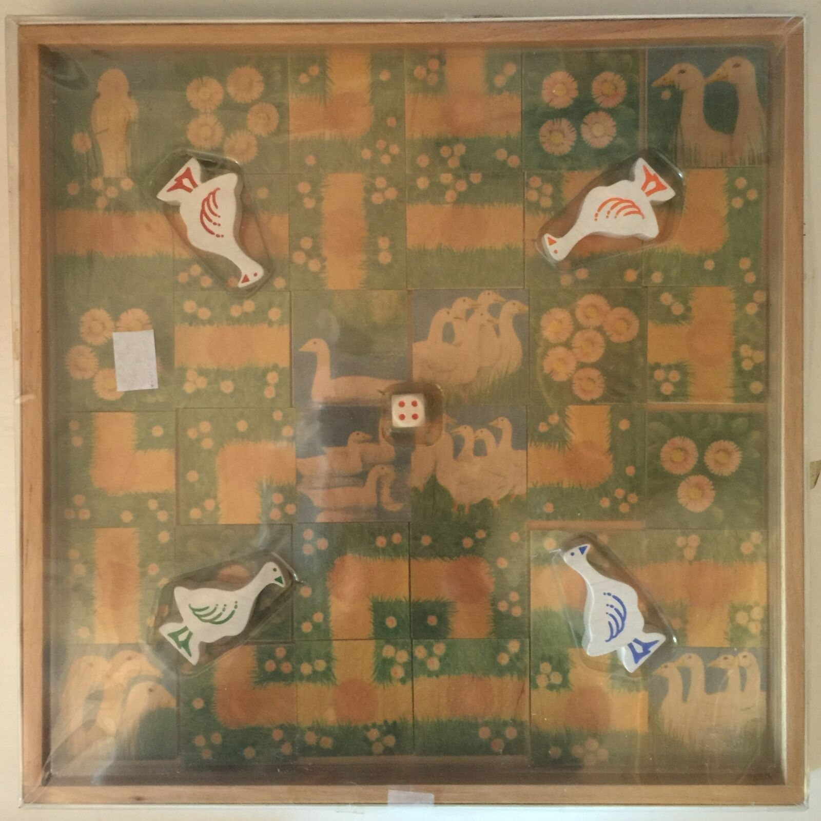 Wooden Geese and Daisies Selecta Spielzeug Board Game