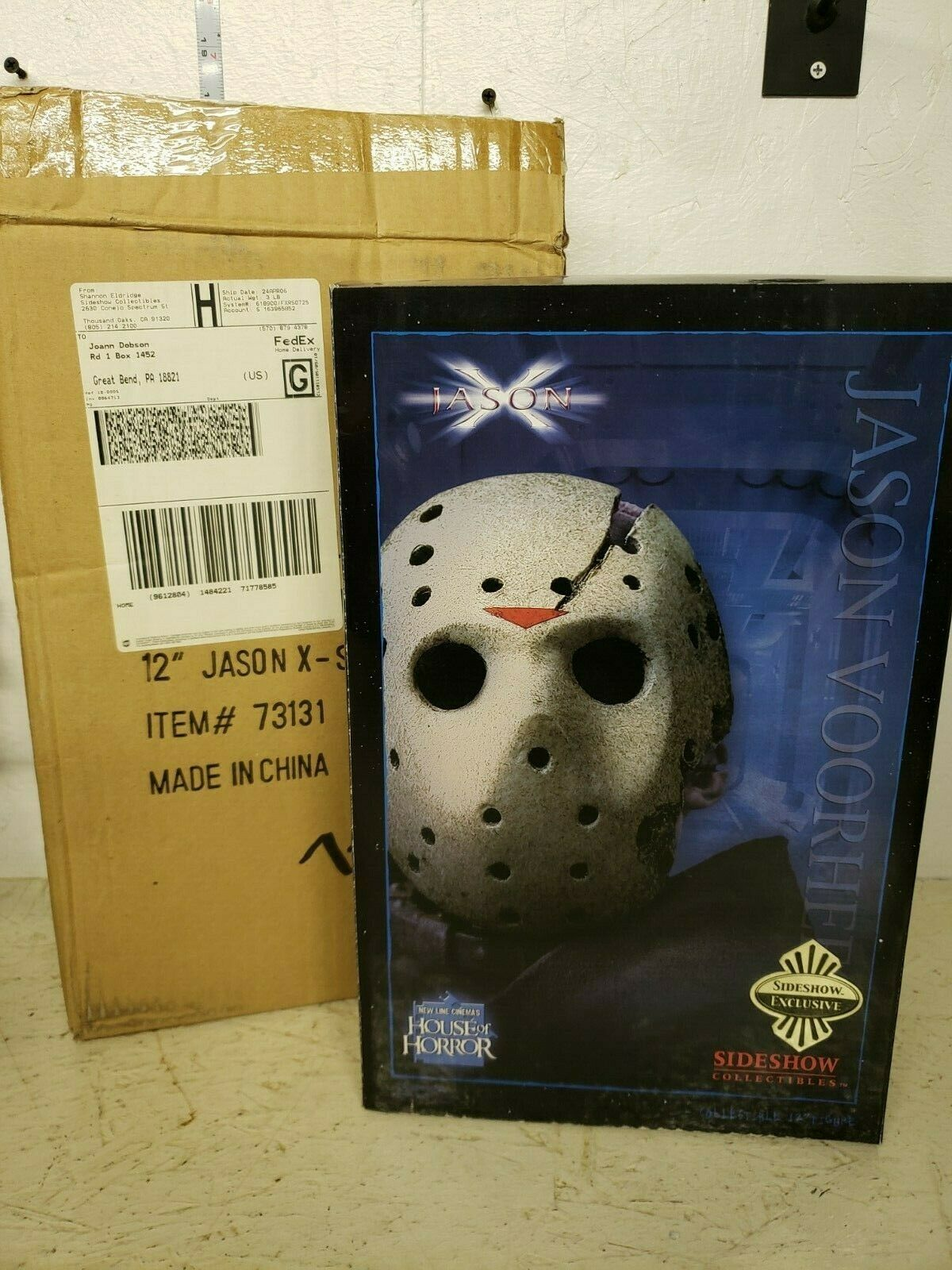 Sideshow Friday the 13th  Jason X  12in Figura Exclusiva Con Caja De Envío