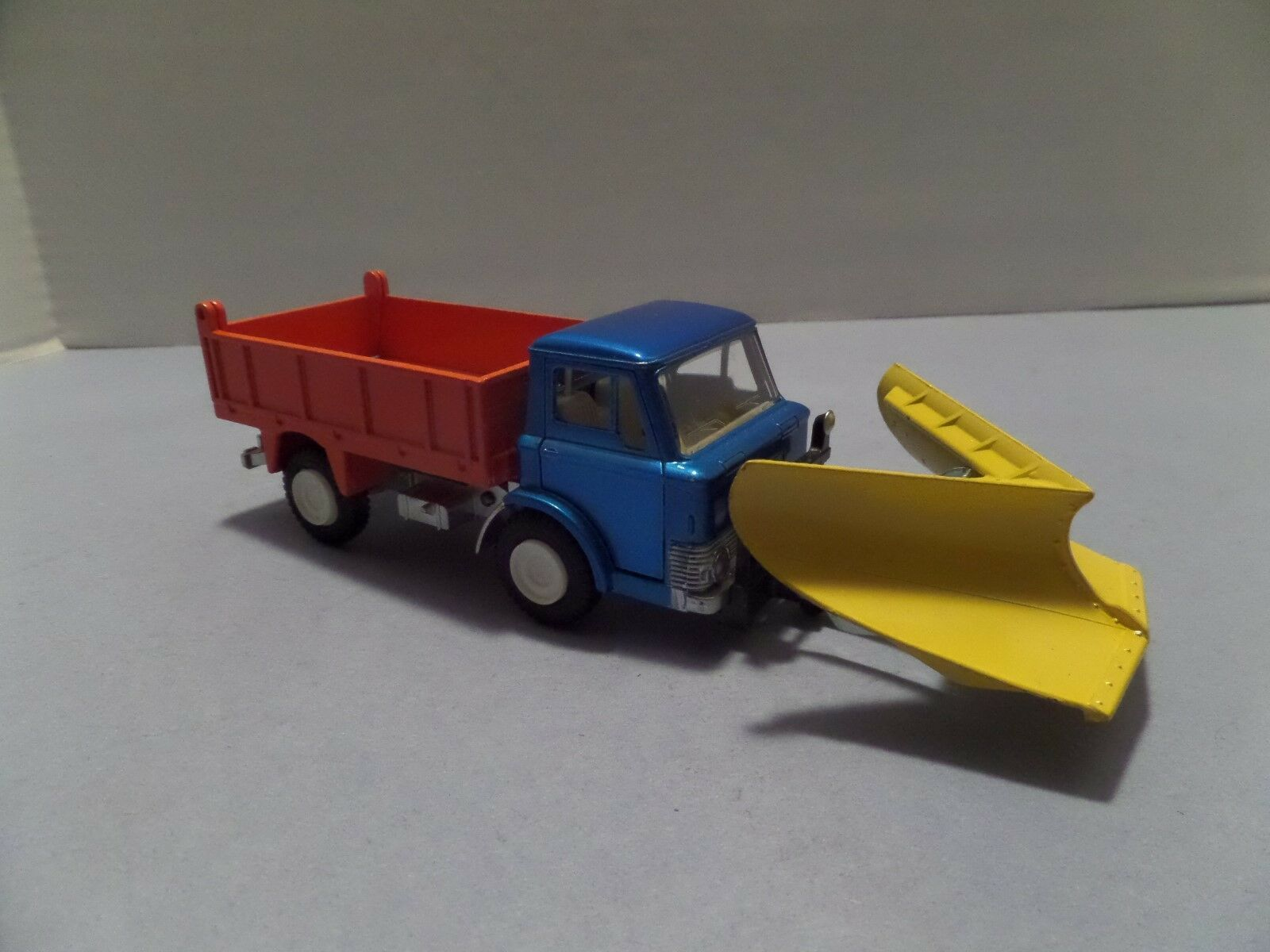 DINKY FORD D 800 WITH PLOW