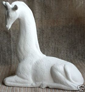 Ceramic-Bisque-Giraffe-Small-Scioto-Mold-387-U-Paint-Ready-To-Paint