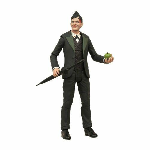 SDCC 2015 Gotham Penguin Exclusive Roughed Up Figure NOT Mint pkg