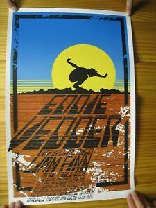 Eddie-Vedder-Tour-Poster-Silk-Screen-Pearl-Jam-Liam-Finn-April-Fools-2008