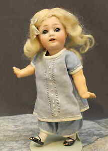 DARLING-ANTIQUE-GERMAN-DOLL-by-KESTNER-Mold-260-TODDLER