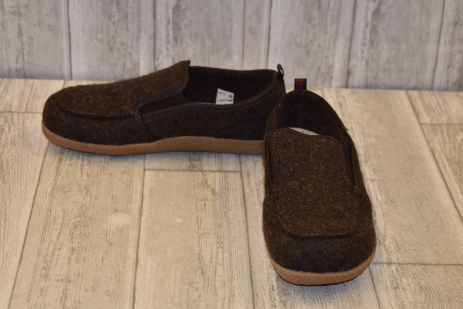 Giesswein Innsburck Slippers - Women's Size 7 - Dark Brown