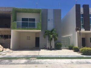 Casa en residencial con amenidades en venta Playa del Carmen