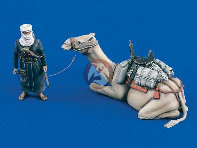 Verlinden 1 35 Bedouin Warrior with his Sitting Camel (2 Figures) [Resin] 1738