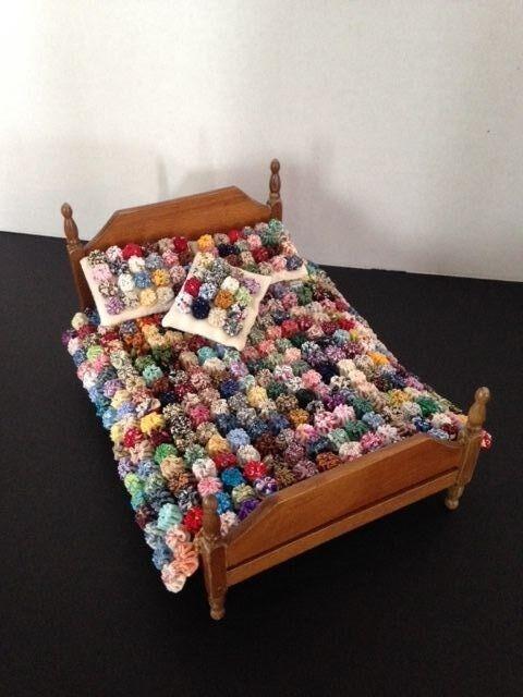 Miniature Yo Yo Quilt Dollhouse Bedspread Quilt & Pillows 1 12 scale