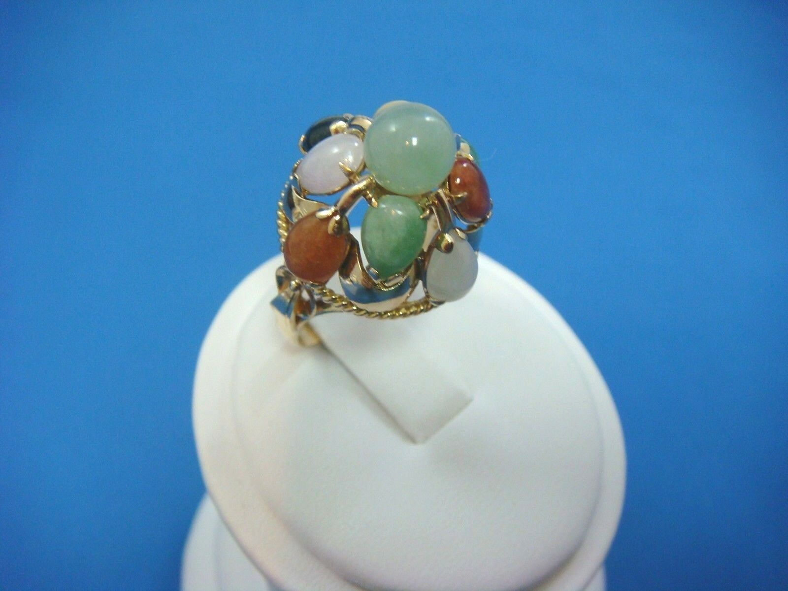 EXQUISITE 14K YELLOW gold MULTI-COLOR JADE BEAUTIFUL HIGH DOME RING, SIZE 7