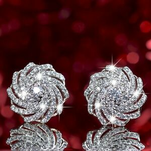 18k-yellow-white-gold-stud-made-with-Swarovski-crystal-flower-helix-earrings