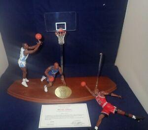 Michael-Jordan-Danbury-Mint-Figurine-3-Figures-NOTE