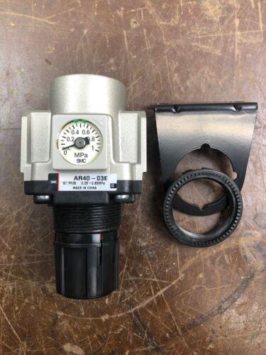 New Smc AR40-03E Pneumatic Regulator 1/2in Npt 0.05-0.85MPA VM