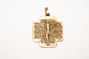"""MEDAILLE JESUS CHRIST PAIX PAX - France - EBay MEDAILLE JESUS CHRIST PAIX PAX """" Si ton frre quelque chose contre toi va te réconcillier avec lui """" Médaille en forme de croix Dimensions : 3,8 x 4,1cm environ- Epaisseur : 5 mm- Poids : 36g environ belle médaille ! Des milliers de livres - France"""
