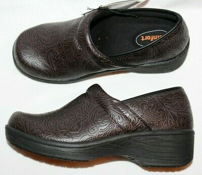 Women's Shoes Safetstep Women's Slip Resistant Gretchen Embossed Brown Paisley Clog Shoes