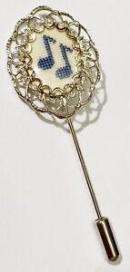 pic-epingle-chapeau-cravate-bijou-vintage-point-de-croix-couleur-argent-4490