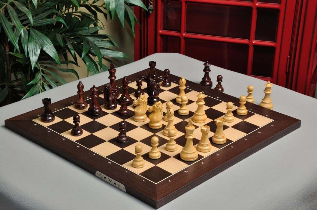 The DGT Projects Electronic Chess Board  eBoard  - USB Wenge - with Royal Chess