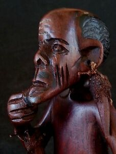 Vintage Papuan hard wood carved statue 9 inches