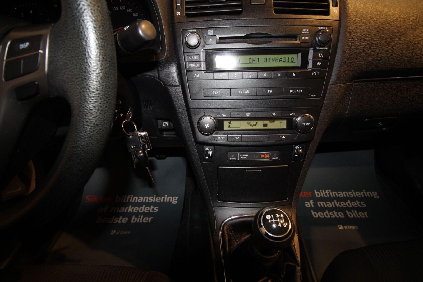 Toyota Avensis 1,6 VVT-i T2