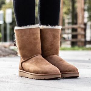 1f7dde57804af5 UGG AUSTRALIA W BAILEY BOW II Boots Stiefel Gefüttert Damen Women ...